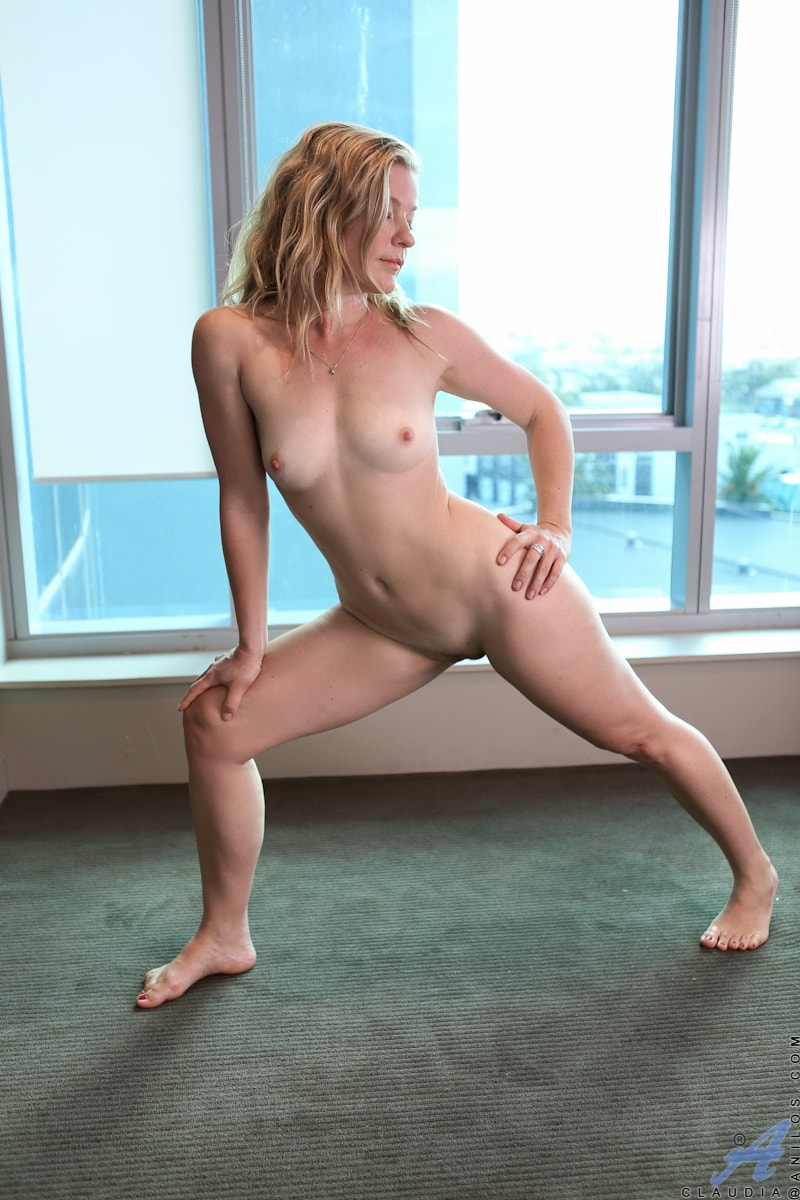 Cherry kiss teases dean van damme with her irresistible feet 7