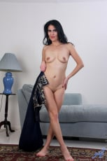 Theresa Soza - Mature Beauty (Thumb 09)
