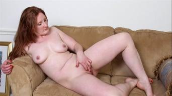 Aella Rae in 'Feeling Hot'