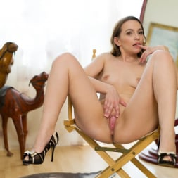 Alika S in 'Anilos' Attention To Details (Thumbnail 13)