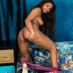 Alishaa Mae in 'Anilos' Seductive Beauty (Thumbnail 13)