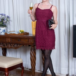 Amber Dawn in 'Anilos' Sexy Mature (Thumbnail 1)