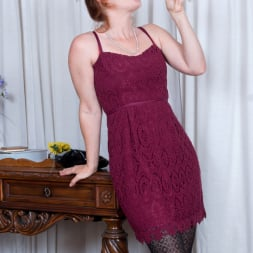 Amber Dawn in 'Anilos' Sexy Mature (Thumbnail 2)