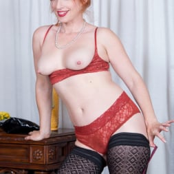 Amber Dawn in 'Anilos' Sexy Mature (Thumbnail 6)