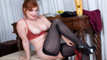 Amber Dawn in 'Sexy Mature'