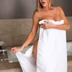 Amber Michaels in 'Anilos' Bath Time (Thumbnail 1)