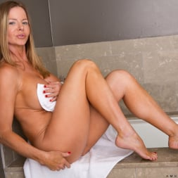 Amber Michaels in 'Anilos' Bath Time (Thumbnail 5)