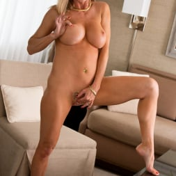 Amber Michaels in 'Anilos' Mature And Frisky (Thumbnail 11)