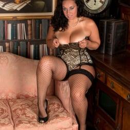 Anastasia Lux in 'Anilos' Sexy Fishnet Stockings (Thumbnail 2)