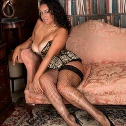 Anastasia Lux in 'Anilos' Sexy Fishnet Stockings (Thumbnail 4)