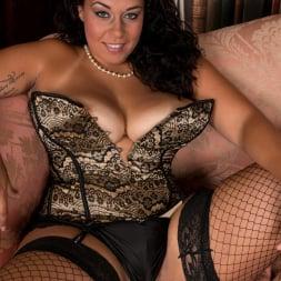 Anastasia Lux in 'Anilos' Sexy Fishnet Stockings (Thumbnail 5)