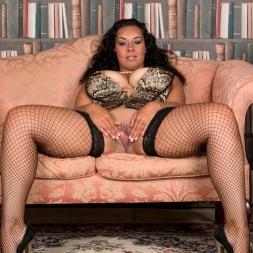 Anastasia Lux in 'Anilos' Sexy Fishnet Stockings (Thumbnail 11)