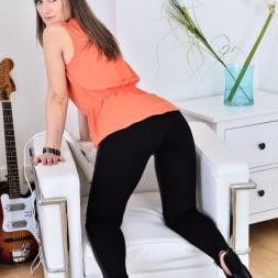 Angel Karyna in 'Anilos' Hot Milf (Thumbnail 2)