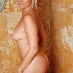 Angela Harley in 'Anilos' Loofah Me (Thumbnail 2)