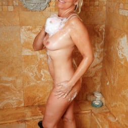 Angela Harley in 'Anilos' Loofah Me (Thumbnail 3)