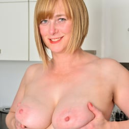 April in 'Anilos' Naughty Housewife (Thumbnail 7)