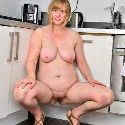April in 'Anilos' Naughty Housewife (Thumbnail 12)