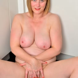 April in 'Anilos' Naughty Housewife (Thumbnail 14)