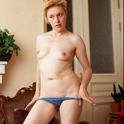 Barbara in 'Anilos' Touch Myself (Thumbnail 8)