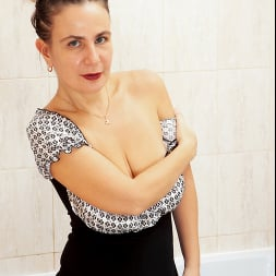 Beatrice A in 'Anilos' Wet As It Gets (Thumbnail 3)