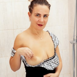 Beatrice A in 'Anilos' Wet As It Gets (Thumbnail 4)
