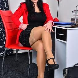 Belisa in 'Anilos' Boss Babe (Thumbnail 2)