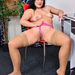 Belisa in 'Anilos' Boss Babe (Thumbnail 10)
