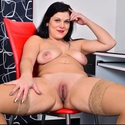 Belisa in 'Anilos' Boss Babe (Thumbnail 14)