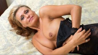 Bonita in 'Mature Beauty'
