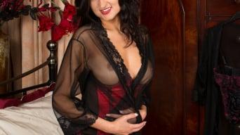 Bonnie Bellotti in 'Dressed To Kill'