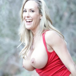 Brandi Love in 'Anilos' Enjoying The Outdoors (Thumbnail 8)