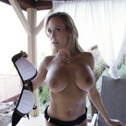 Brandi Love in 'Anilos' Poolside Pleasure (Thumbnail 7)