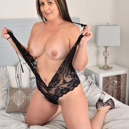 Brandii Banks in 'Anilos' Luscious In Lace (Thumbnail 6)