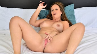Brandii Banks in 'Mature Masturbation'