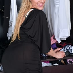 Brittany Bardot in 'Anilos' Dressed To Impress (Thumbnail 1)