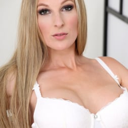 Cam Angel in 'Anilos' Busty Blonde (Thumbnail 3)