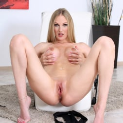Cam Angel in 'Anilos' Massage Oil (Thumbnail 13)