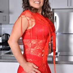 Candy in 'Anilos' Ravishing In Red (Thumbnail 1)
