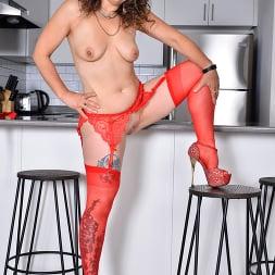 Candy in 'Anilos' Ravishing In Red (Thumbnail 12)