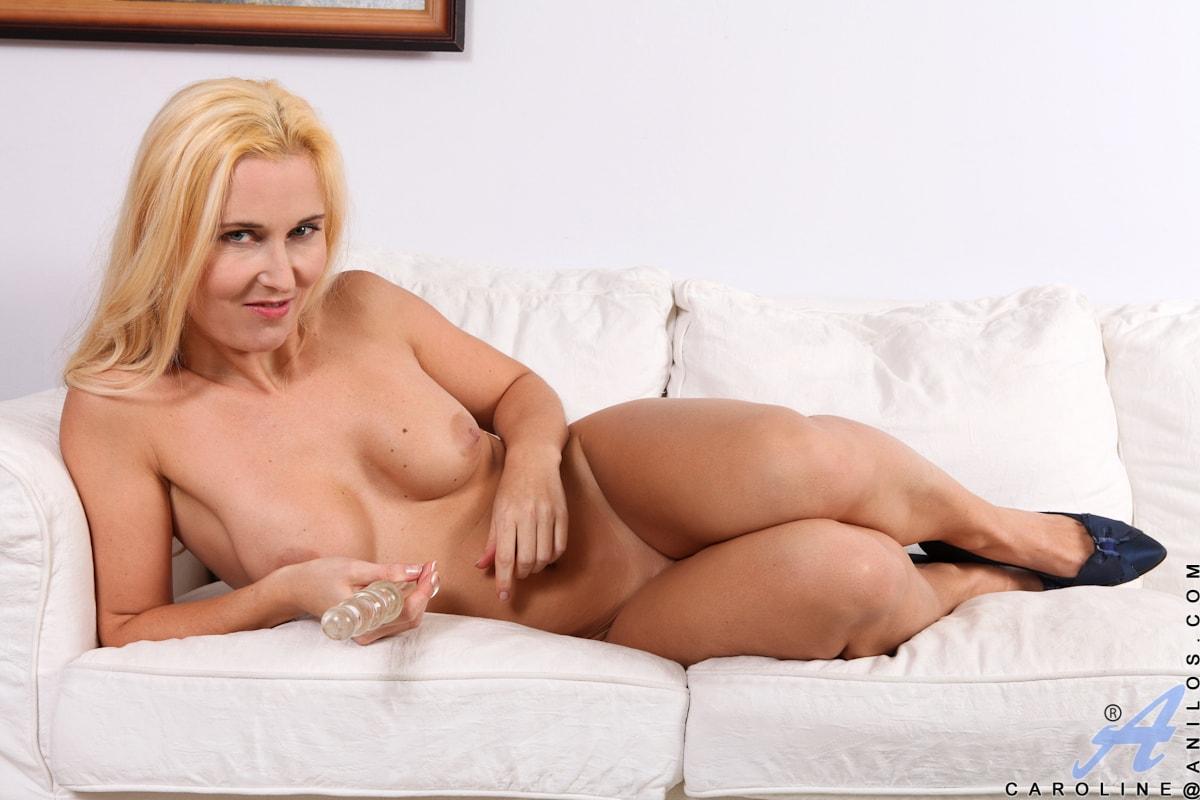 Anilos 'Pleasing Myself' starring Caroline (Photo 14)