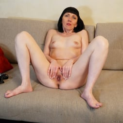 Cherry Despina in 'Anilos' Pleasing The Pussy (Thumbnail 10)