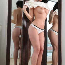 Cindy Dollar in 'Anilos' Take Your Time (Thumbnail 4)