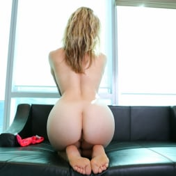 Claudia in 'Anilos' Hot Pink Panties (Thumbnail 10)