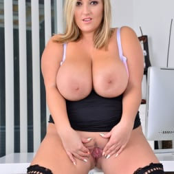 Crystal Swift in 'Anilos' Huge Naturals (Thumbnail 13)