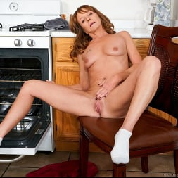 Cyndi Sinclair in 'Anilos' Cumming In The Kitchen (Thumbnail 15)