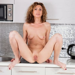 Dafna May in 'Anilos' Underneath Her Clothes (Thumbnail 14)