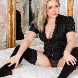Daisy Woods in 'Anilos' Blonde Babe (Thumbnail 6)