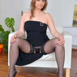 Daria Glower in 'Anilos' Real Orgasm (Thumbnail 4)