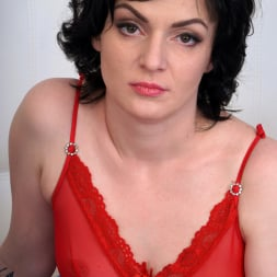 Darla in 'Anilos' Red Lingerie (Thumbnail 1)