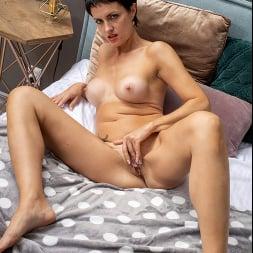 Daryna in 'Anilos' European Beauty (Thumbnail 8)